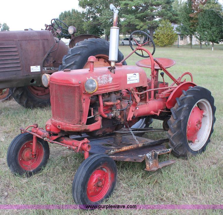 1948 mccormick farmall cub tractor no reserve auction on. Black Bedroom Furniture Sets. Home Design Ideas