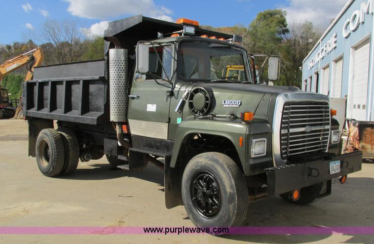 1987 ford l8000 dump truck no reserve auction on. Black Bedroom Furniture Sets. Home Design Ideas
