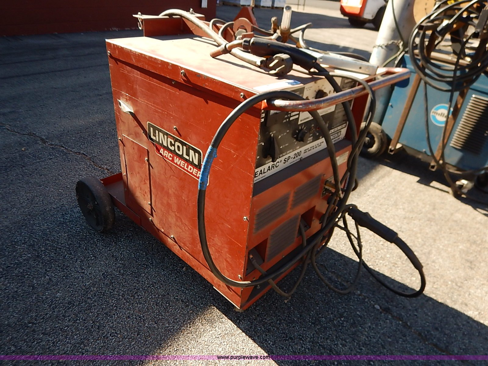 Lincoln Idealarc Sp 200 Mig Welder In Silver Lake Ks Item Ay9029 Sold Purple Wave