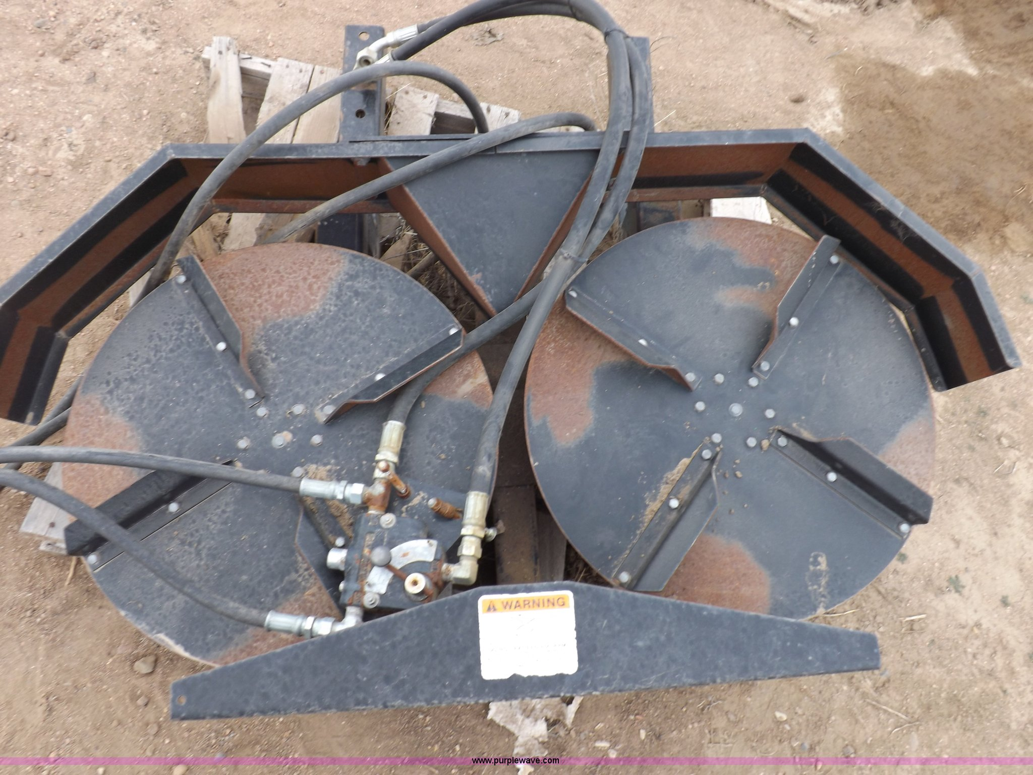 Hydraulic Chaff Spreader : Used construction agricultural equip trucks trailers