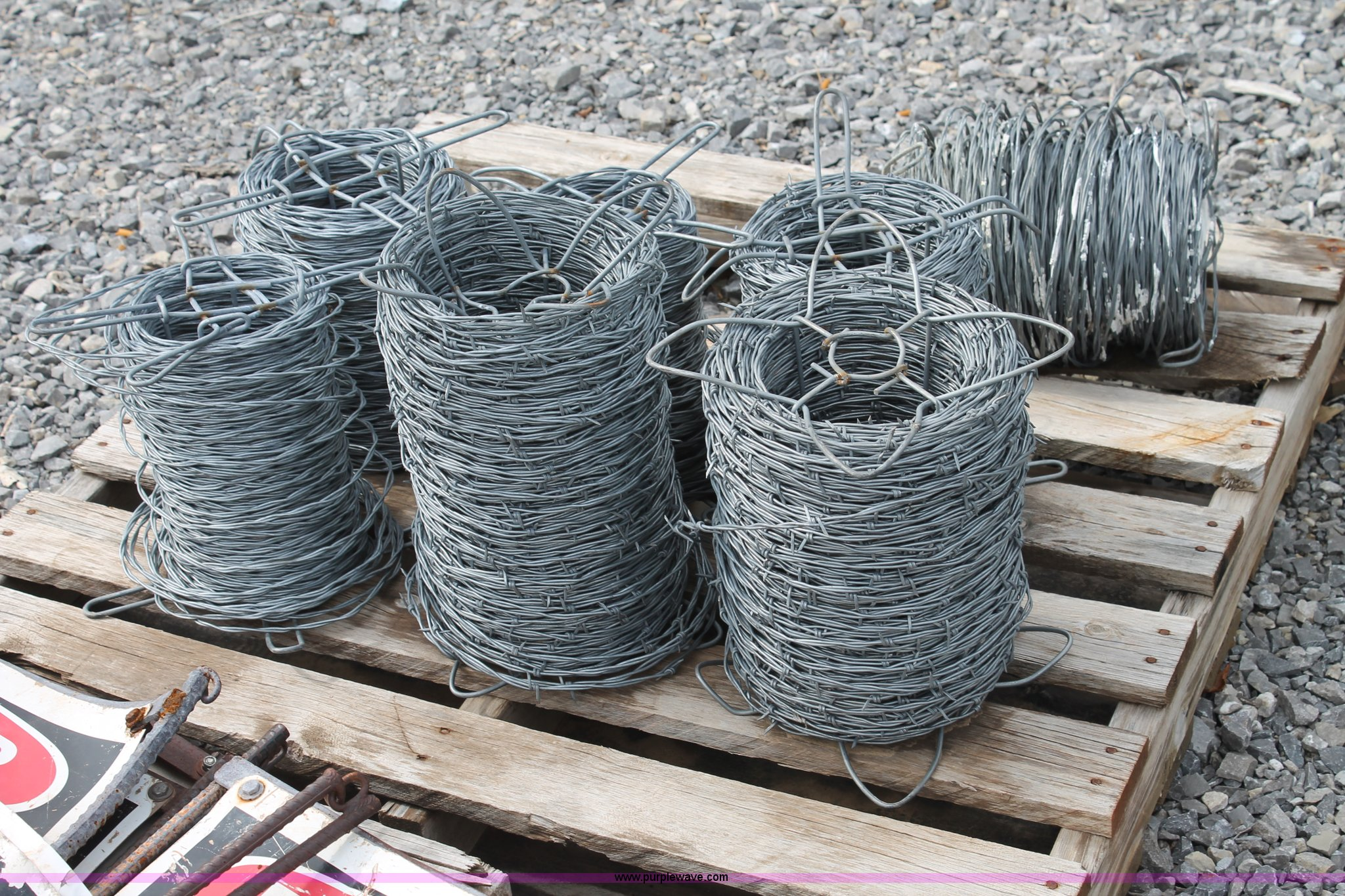 Fencing materials and signs | Item AO9699 | SOLD! December 4...
