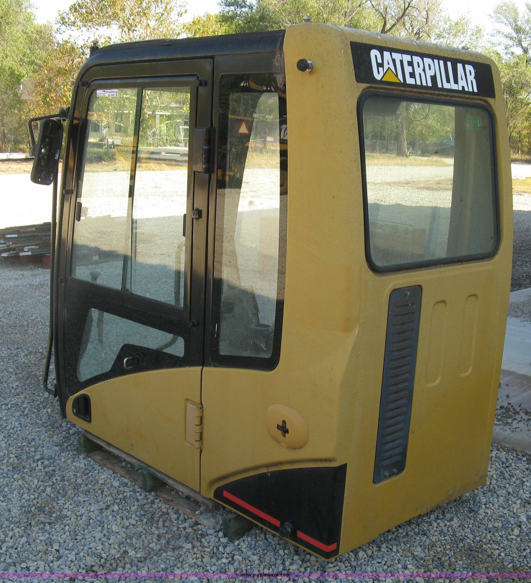 Caterpillar 315CL excavator cab | Item BD9689 | SOLD! Decemb