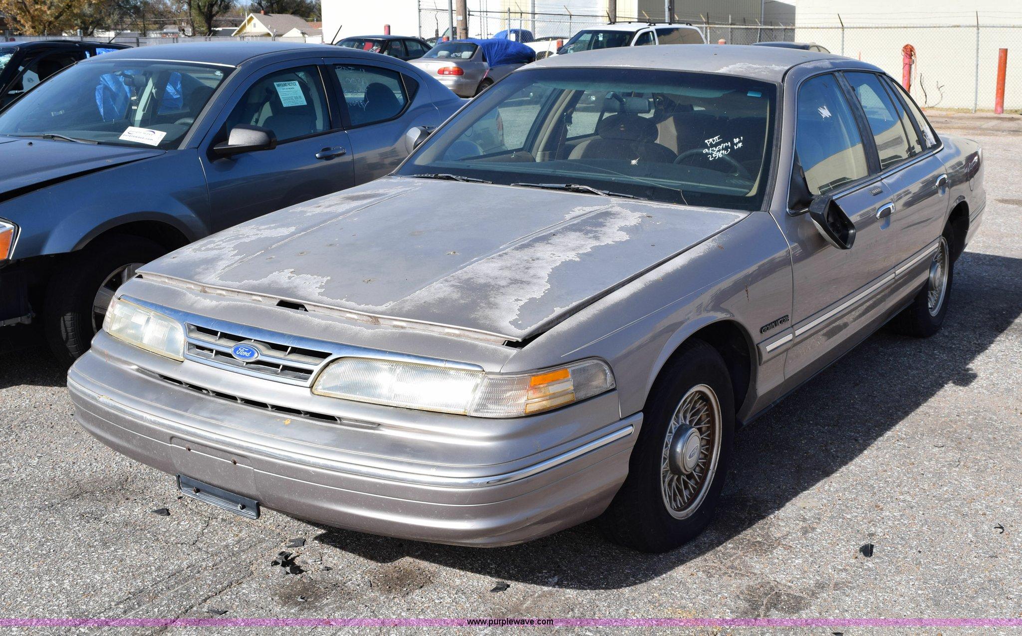 1995 Ford Crown Victoria Lx Item I8653 Sold December 8 Image For
