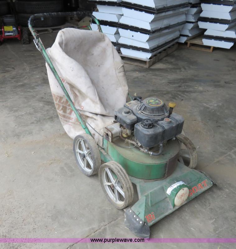 AV9346 Image For Item Billy Goat Leaf Vacuum