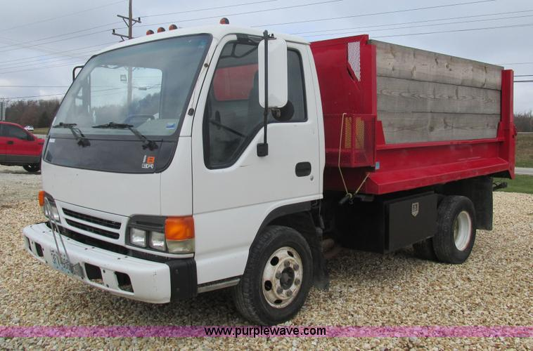 2001 Isuzu NPR dump truck | Item AW9819 | SOLD! December 17