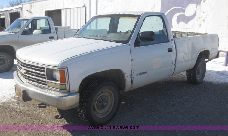 1990 Chevrolet Cheyenne 2500 Pickup Truck Item I2165 Sol