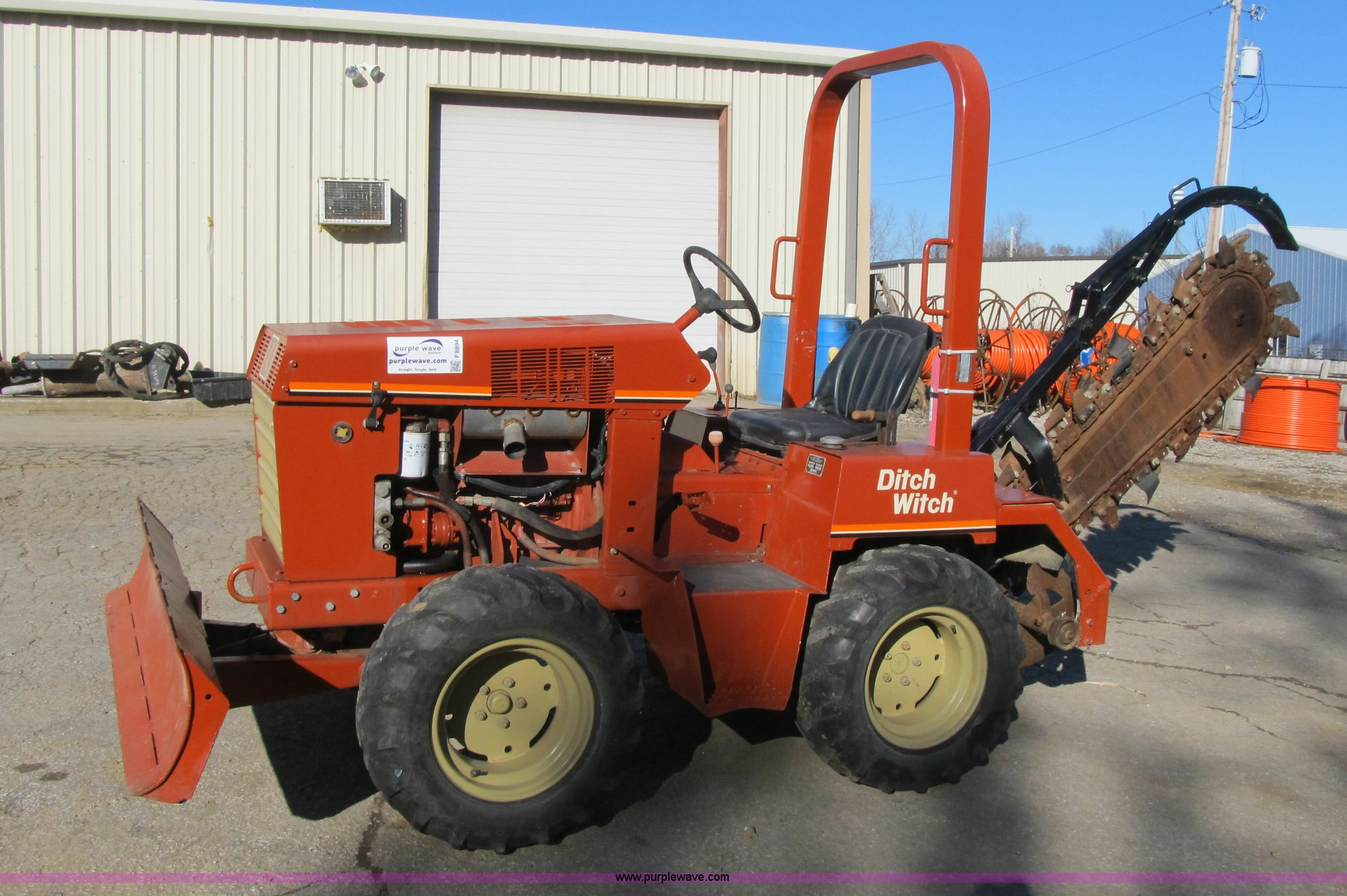 F8894 image for item F8894 1998 Ditch Witch 3610 trencher