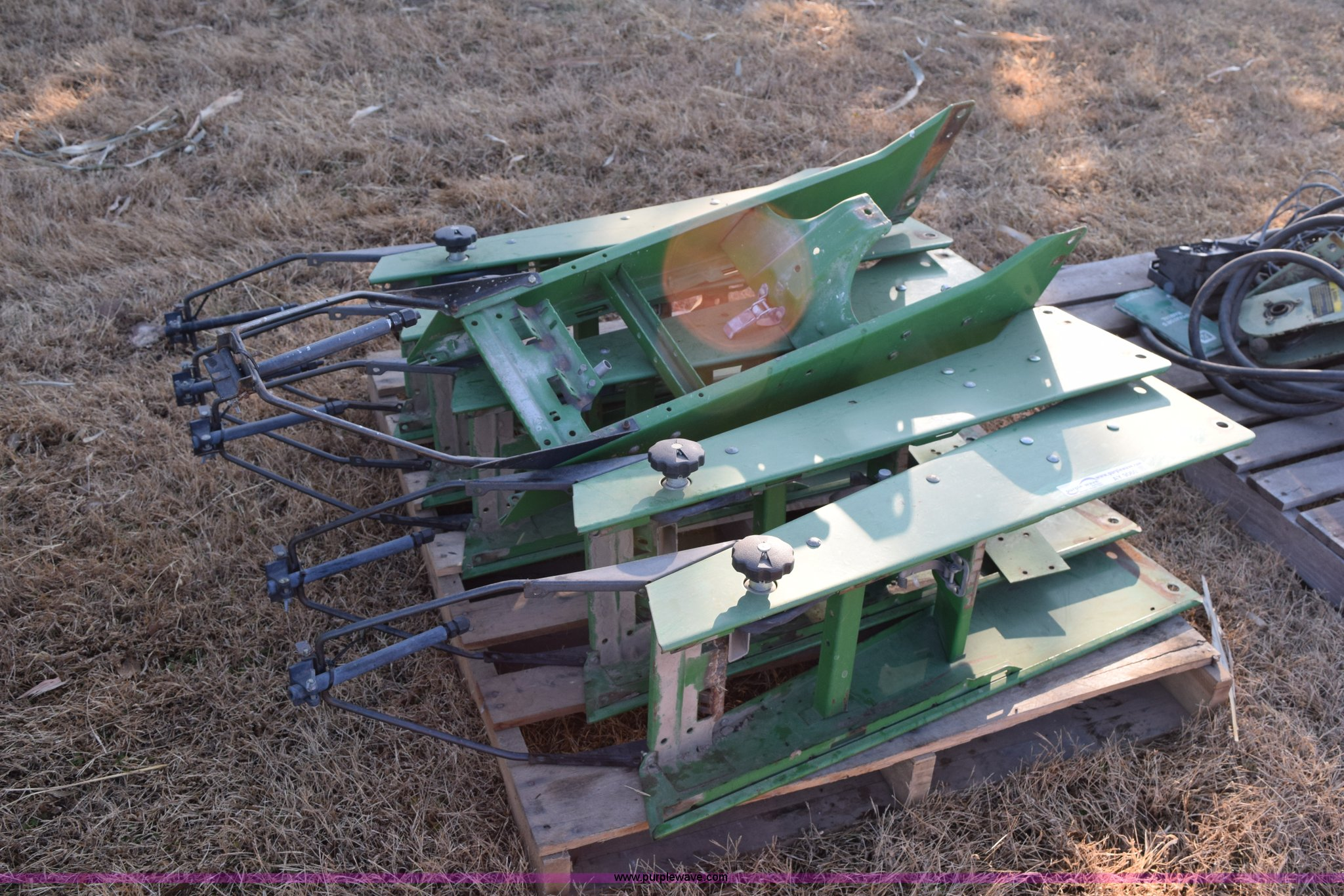 John Deere 7200 Planter Parts And Accessories Item Ay9060