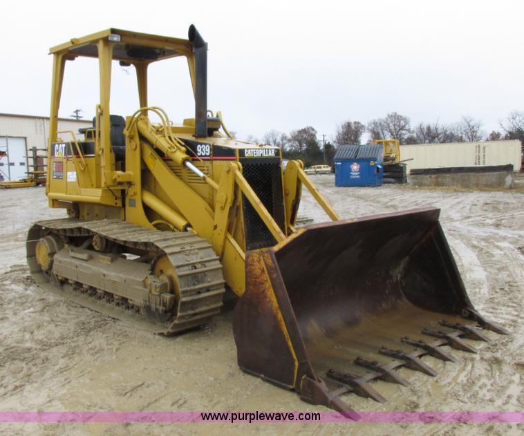 1994 Caterpillar 939 track loader | Item I8834 | SOLD! Decem