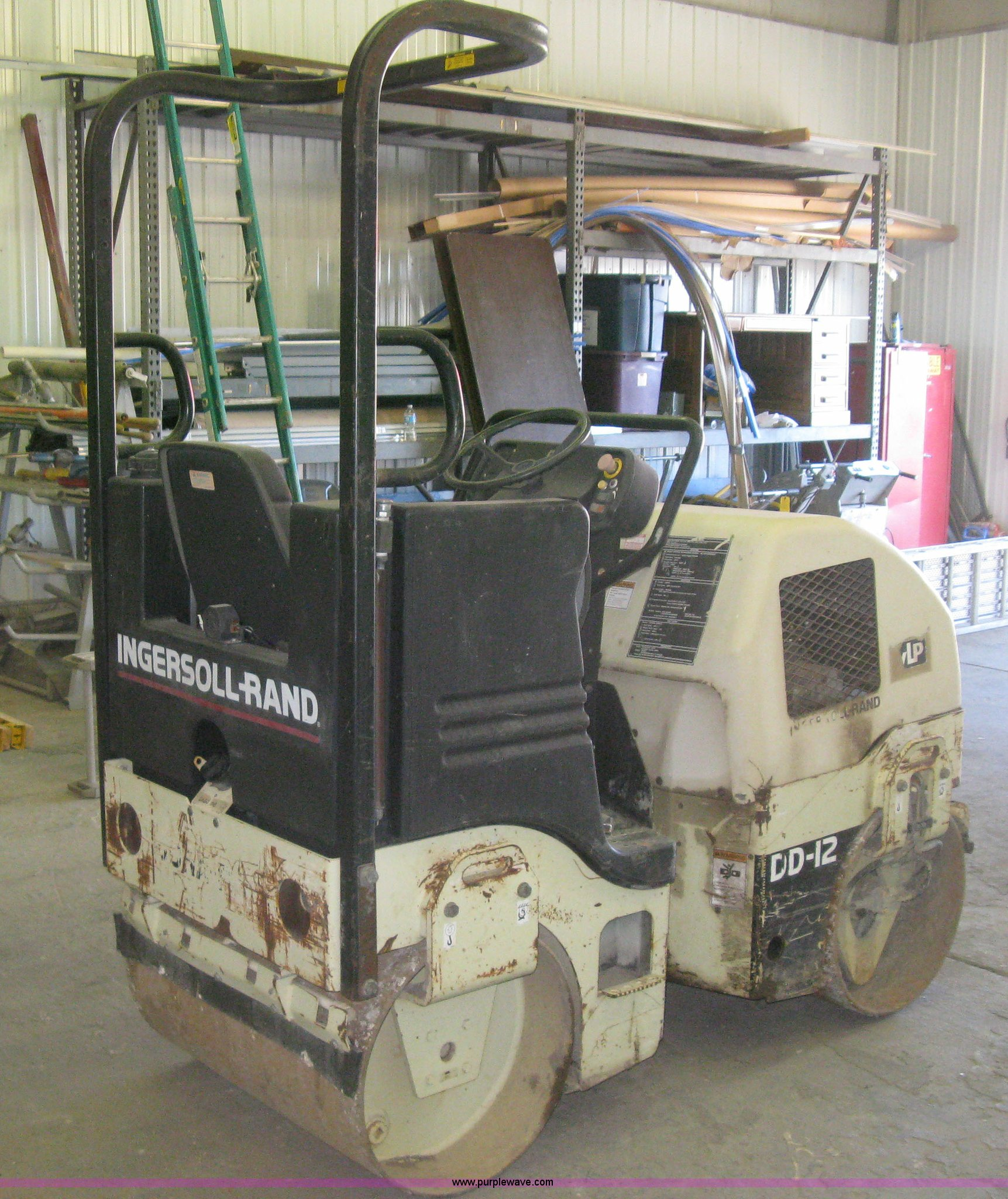 Full size in new window; H9317 image for item H9317 Ingersoll Rand DD-12  articulated vibratory asphalt compactor