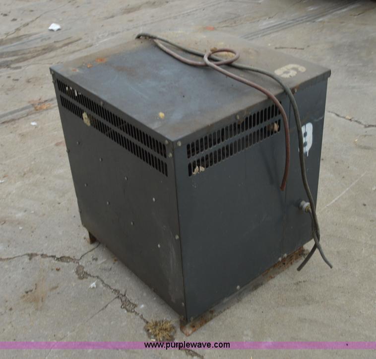 Power Flow 36V industrial forklift battery charger   Item I6