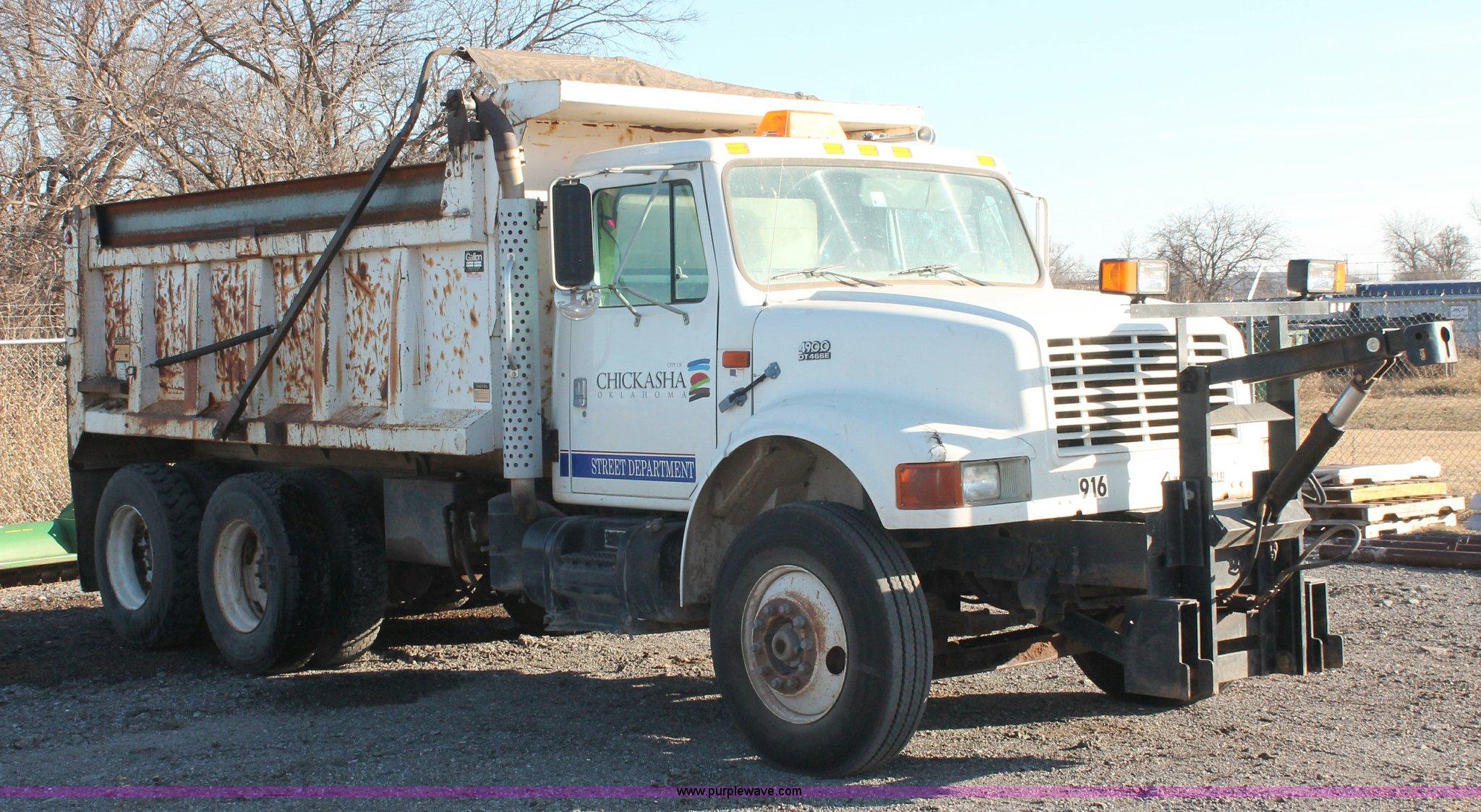 1997 International 4900 dump truck | Item AK9640 | SOLD! Jan...