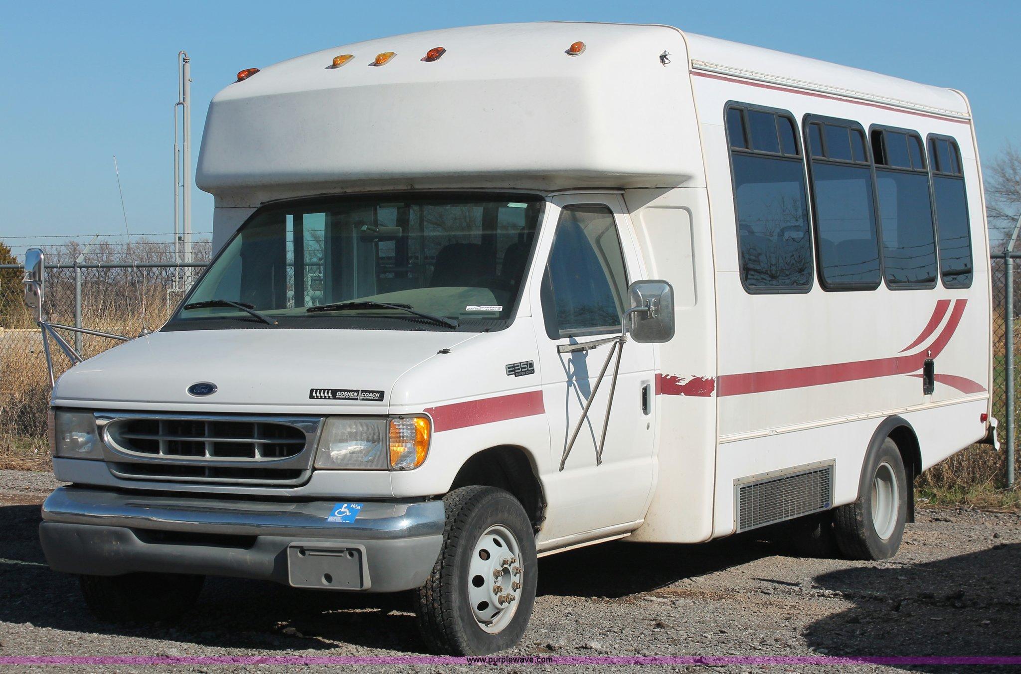AK9647 image for item AK9647 1999 Ford Econoline E350 bus
