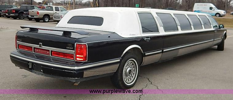 1996 Lincoln Town Car Executive Stretch Limo Item I5199