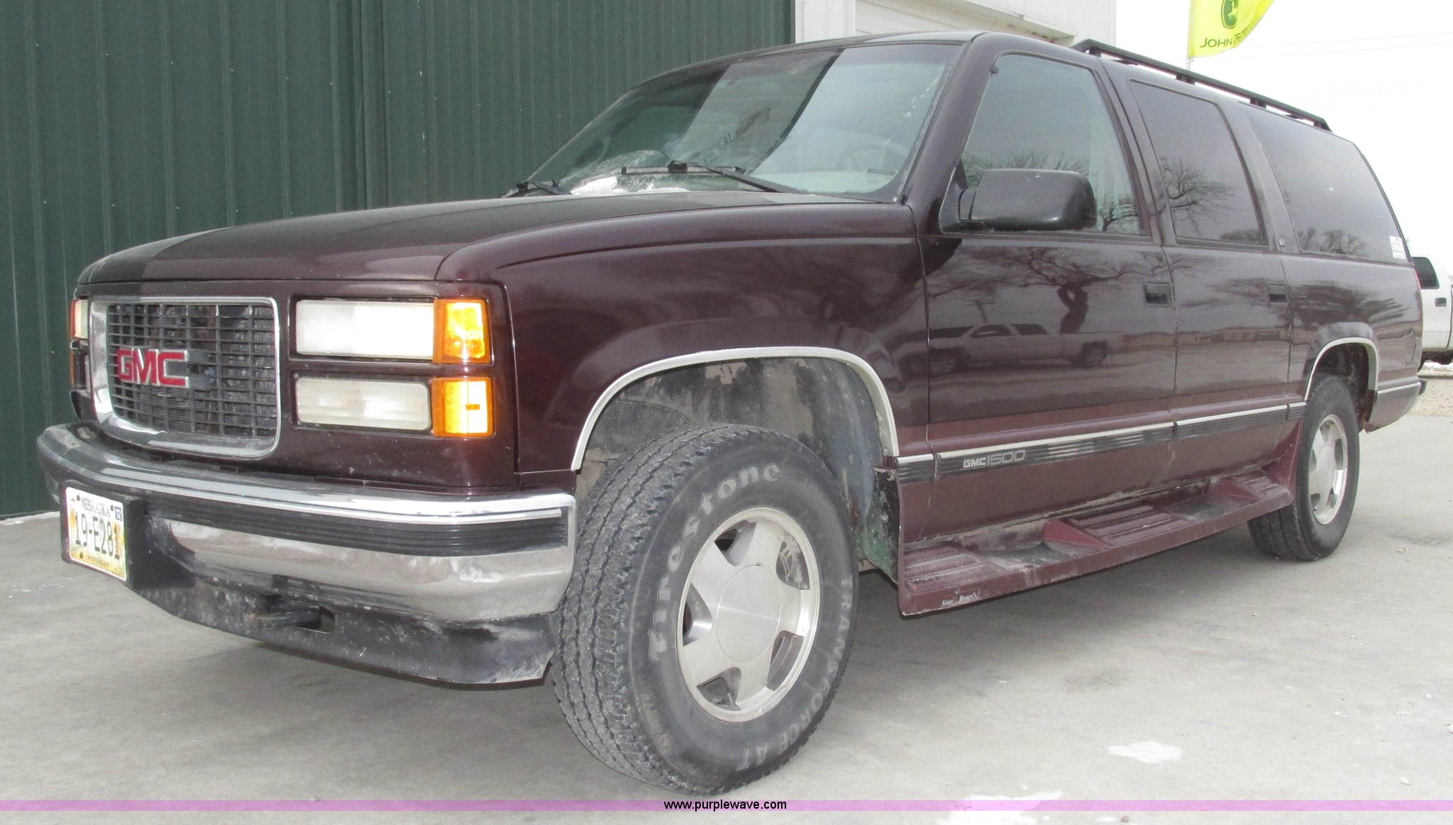 G9840 image for item G9840 1997 GMC Suburban ...