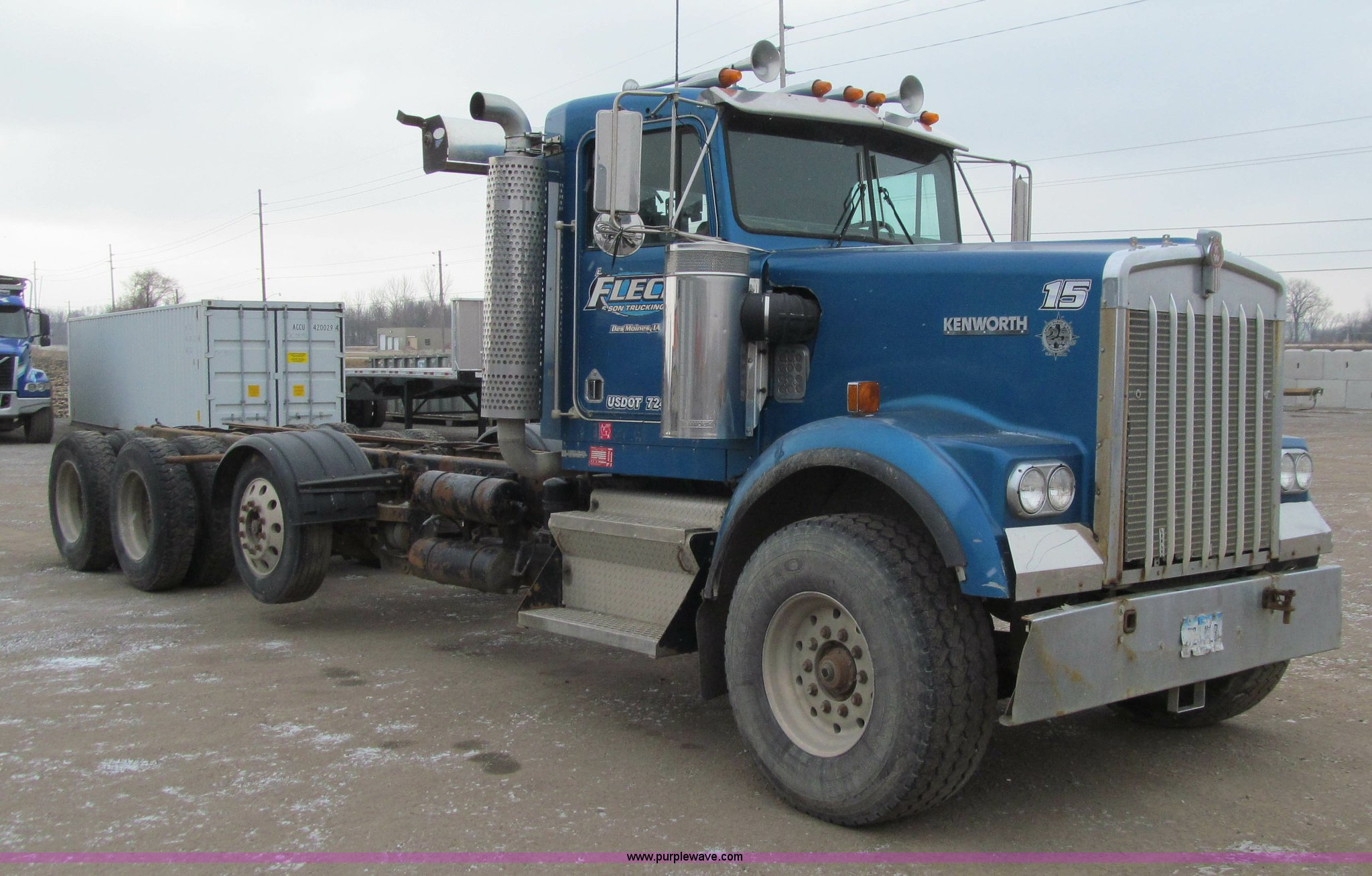 1995 Kenworth W900 cab and chassis | Item J3339 | SOLD! Janu