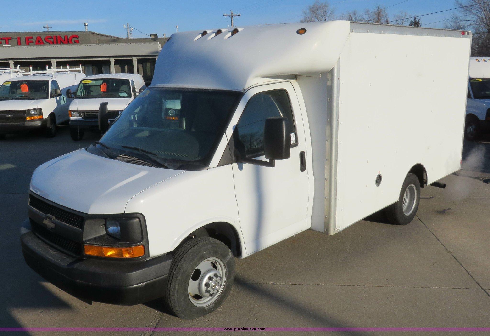 2006 chevrolet express g3500 box truck item i2406 sold rh purplewave com 2020 Chevy Truck 2020 Chevy Truck