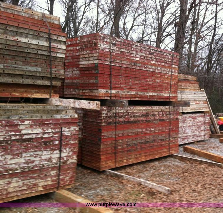 Assorted Symons steel ply concrete forms | Item D1389 | SOLD