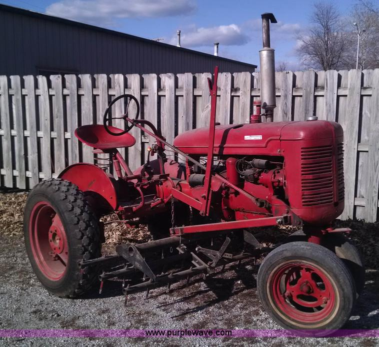 1939 Farmall B tractor | Item AW9125 | SOLD! February 25 Veh