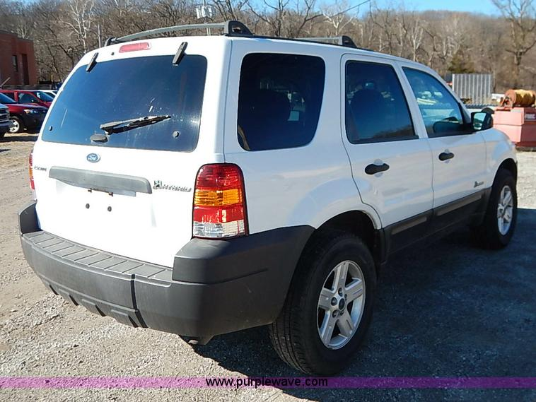 2005 Ford Escape Hybrid Suv Item K7060 Sold February 25