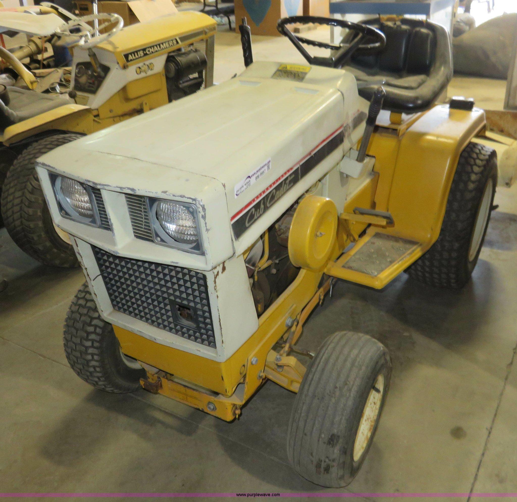 International 129 Cub Cadet garden tractor Item BM9957