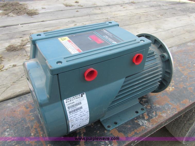 Construction Equipment Auction in Holt, Missouri by Purple Wave Auction