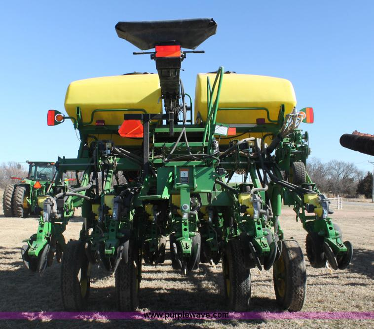2010 John Deere 1790 Split Row Planter Item L6504 Sold