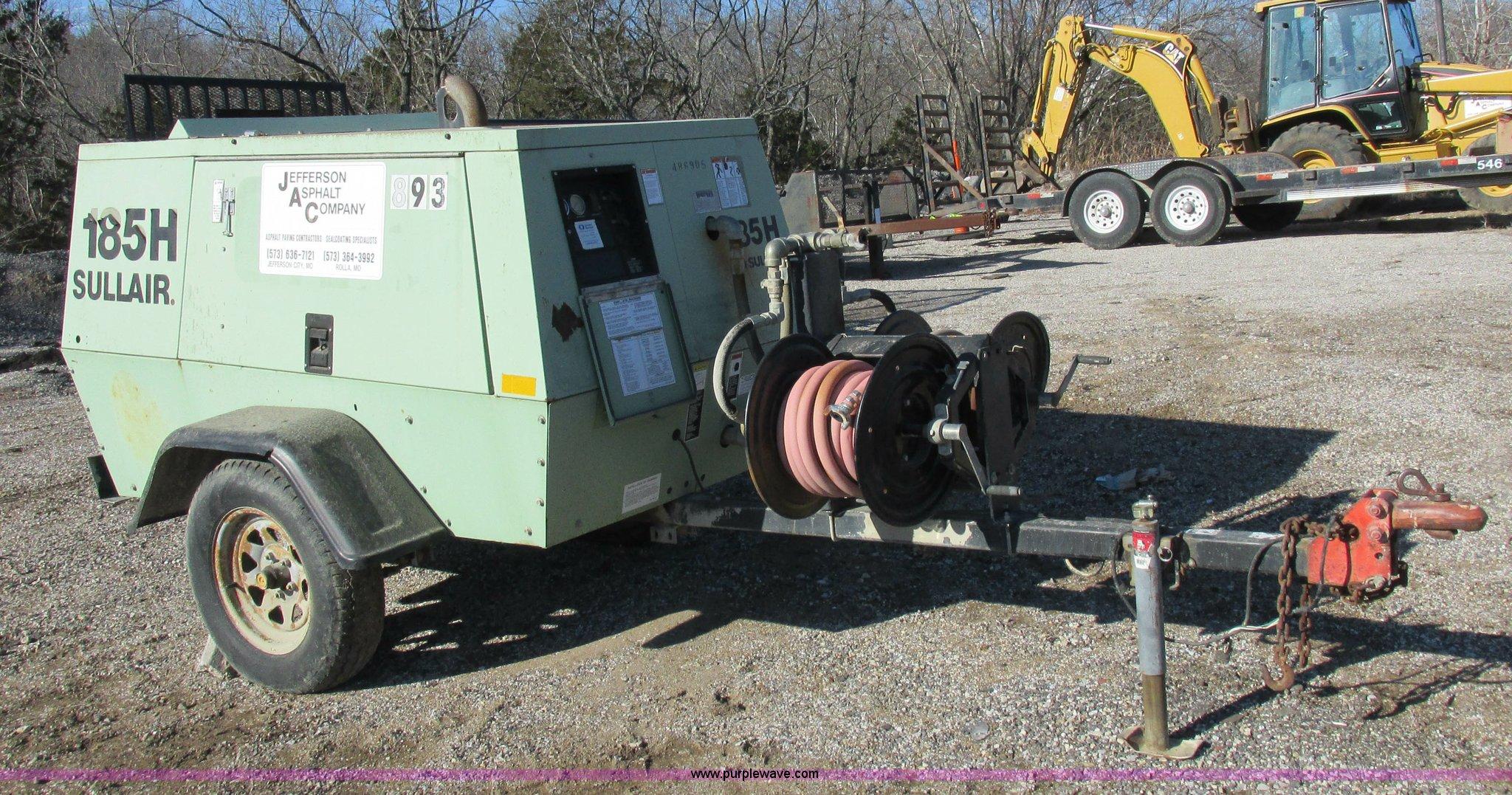 I8779 image for item I8779 Sullair 185 compressor