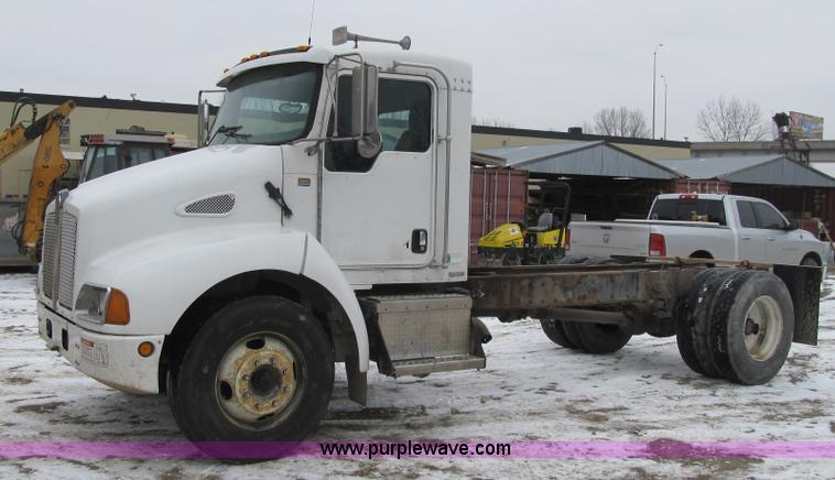 2005 Kenworth T300 truck cab and chassis | Item F8970 | SOLD