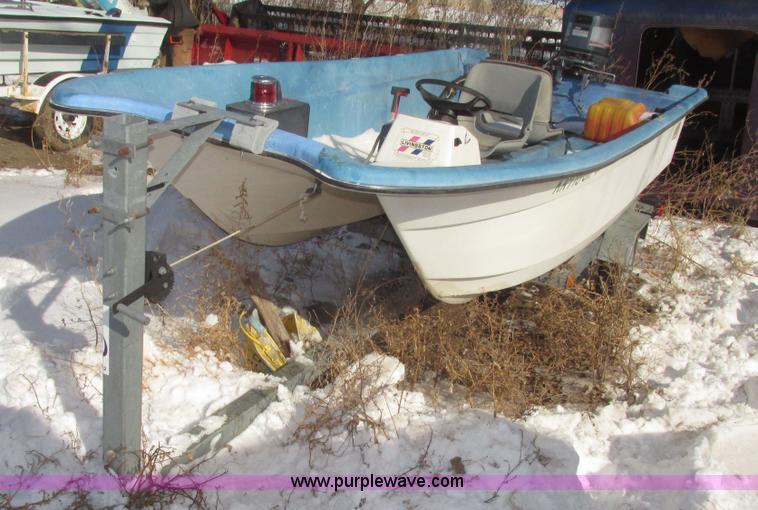 1985 Livingston Anniversary Edition boat | Item G9782 | SOLD