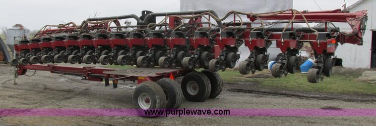 2005 Case Ih 1200 Pivot Transport Planter Item K2073 Sol