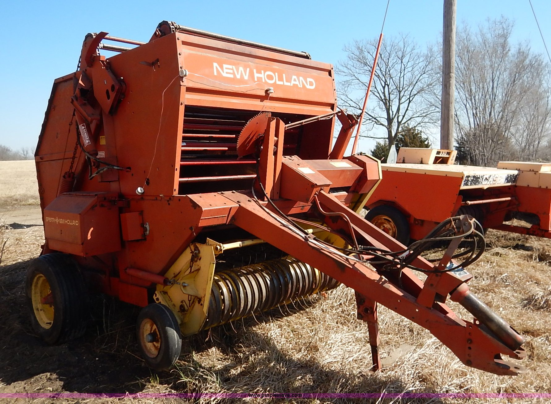 ... Holland 846 round baler Full size in new window ...