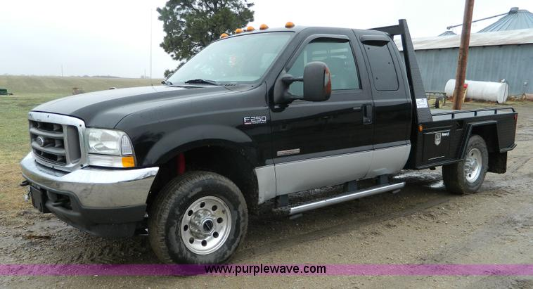 2004 ford f250 super duty supercab flatbed pickup truck