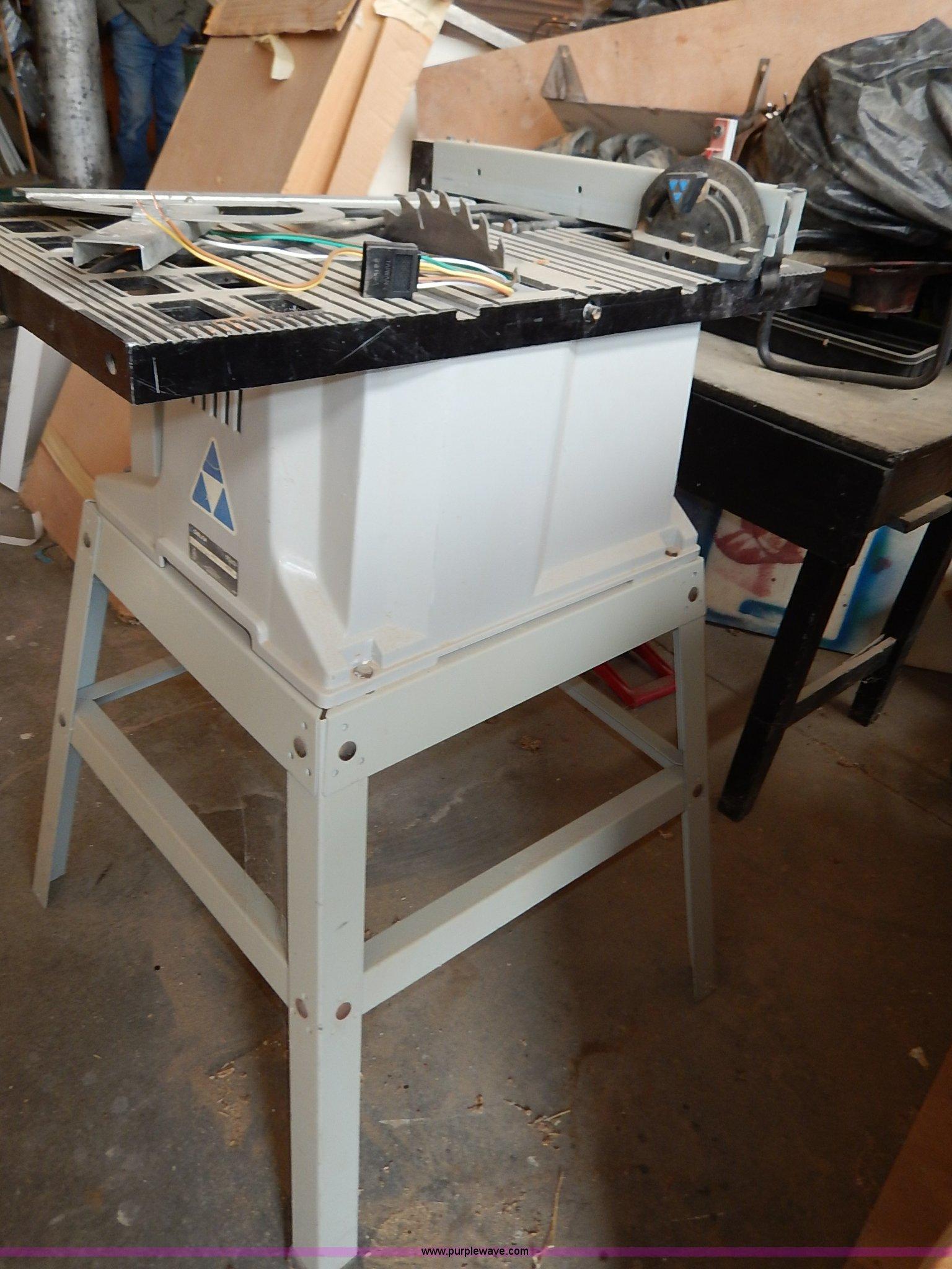 Delta Shopmaster table saw | Item AQ9291 | SOLD! April 22 Ve