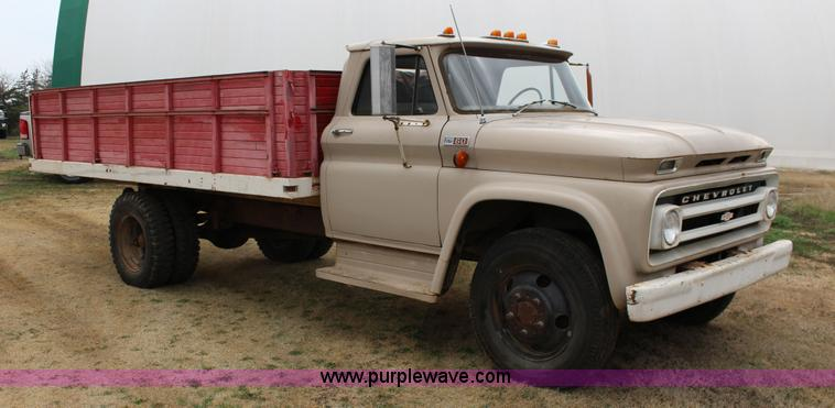 1965 Chevrolet C60 grain truck | Item F7609 | SOLD! April 29