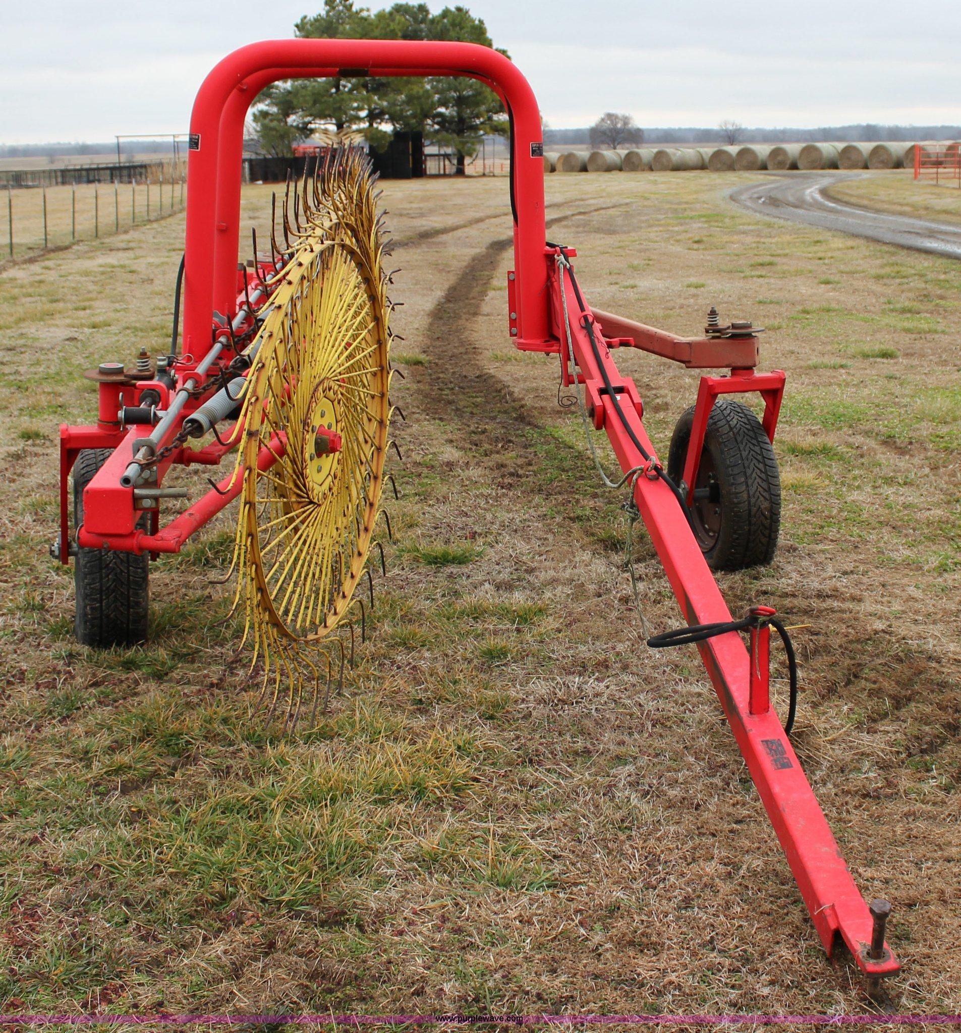 Enorossi 9 wheel rake | Item J2281 | SOLD! April 29 Ag Equip