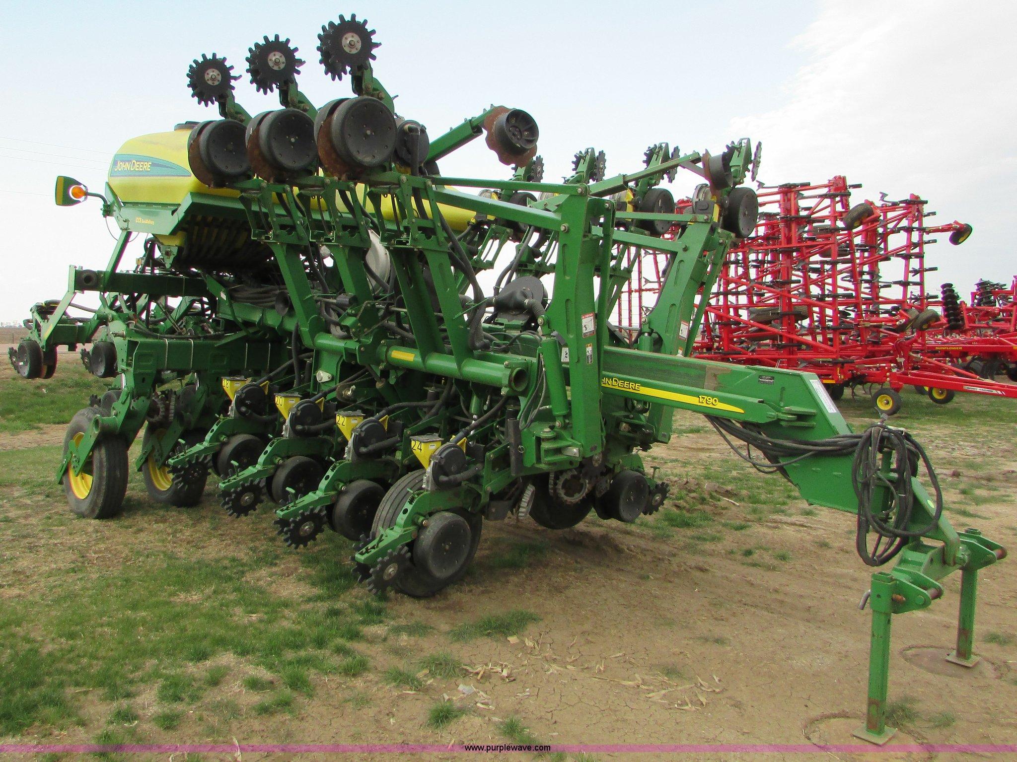 2005 John Deere 1790 Ccs Split Row No Till Planter Item K2