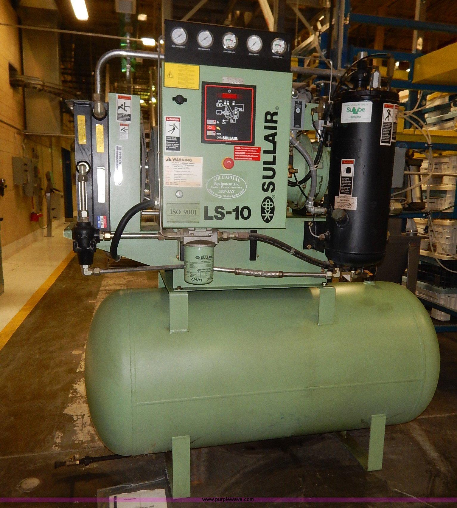BJ9644 image for item BJ9644 2002 Sullair rotary air compressor