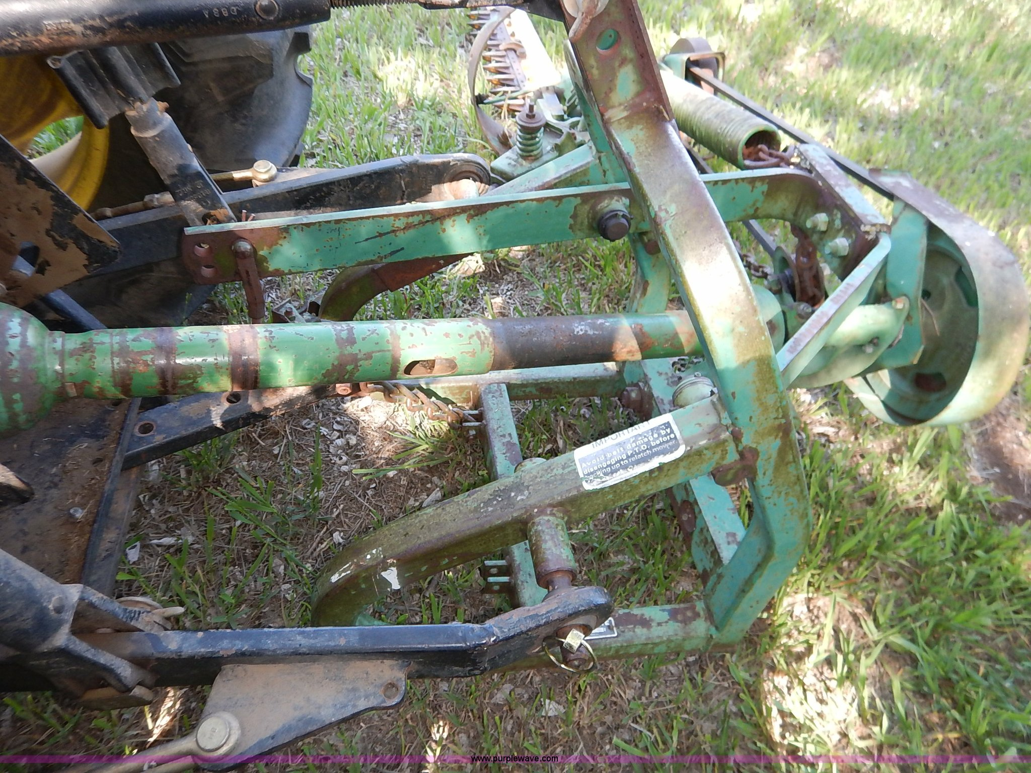 John Deere 350 sickle mower | Item BJ9579 | SOLD! May 27 Ag