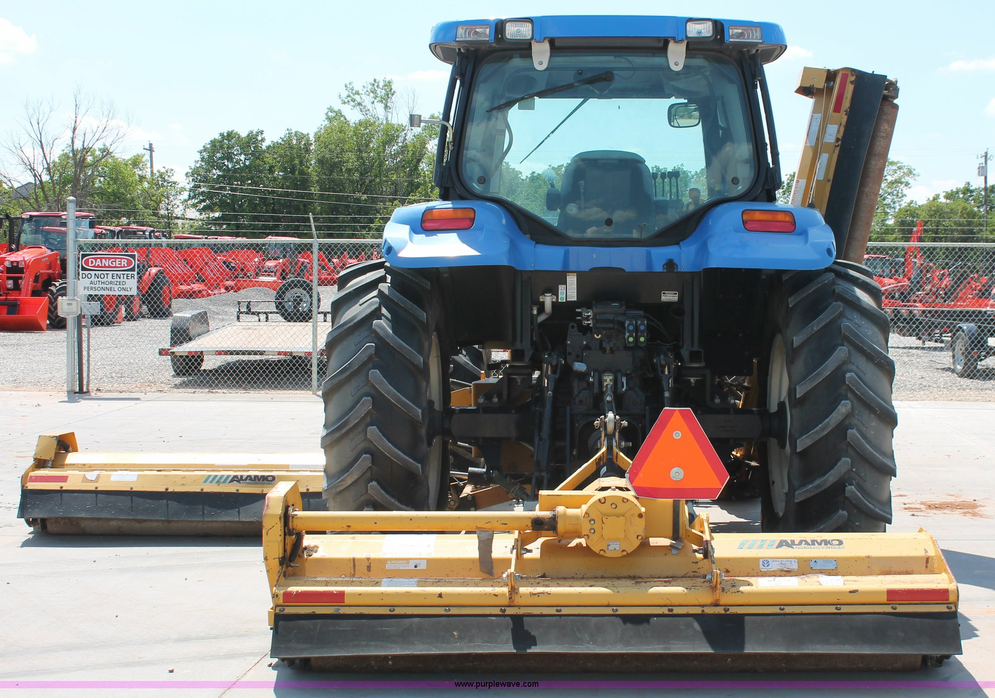 2005 New Holland TS115A MFWD tractor | Item H5821 | SOLD! Ma