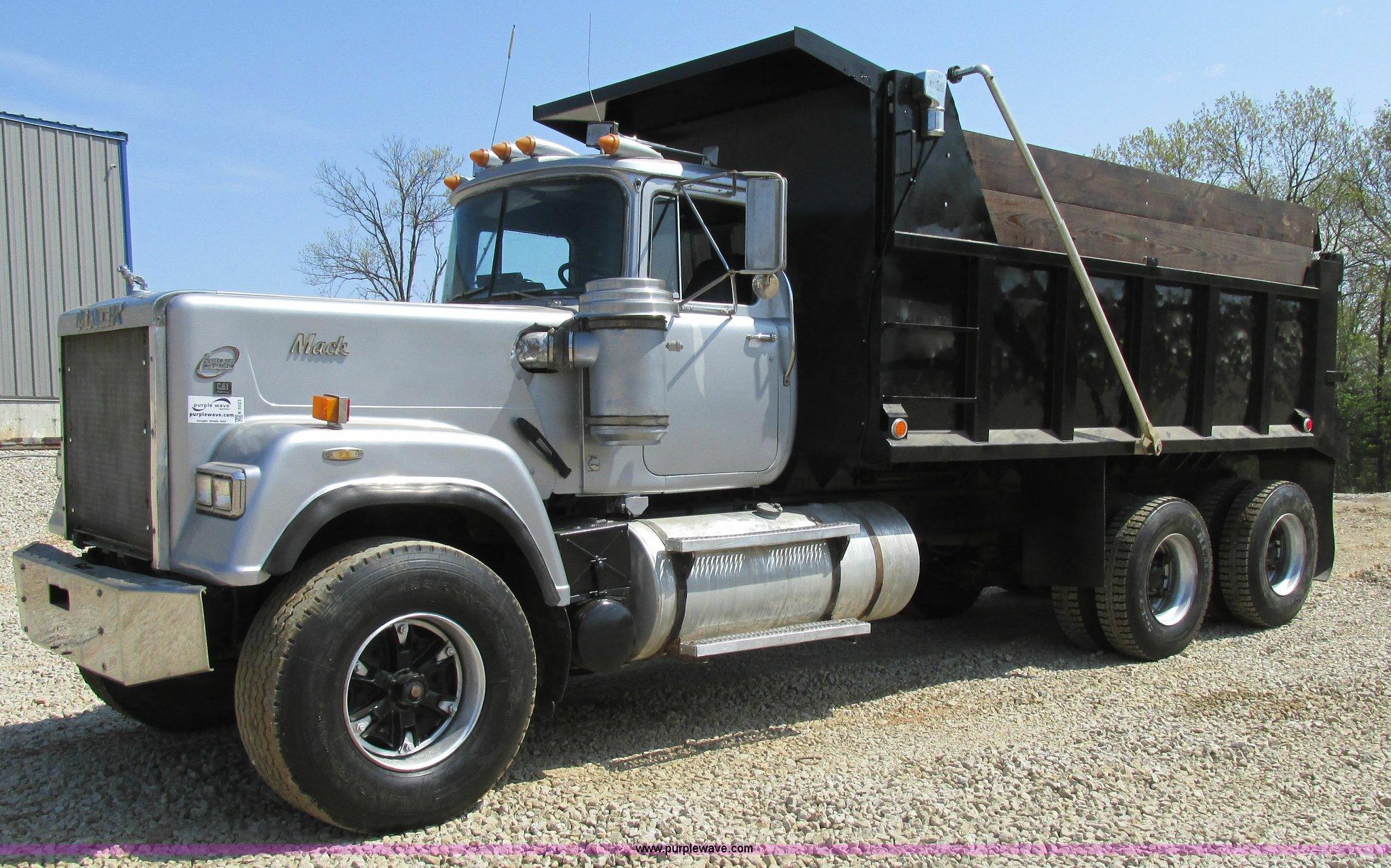 Mack Dump Truck Trailer Wiring Diagram 1989 Rw753 Super Liner Item K5023 Sold Rc Trucks With Trailers
