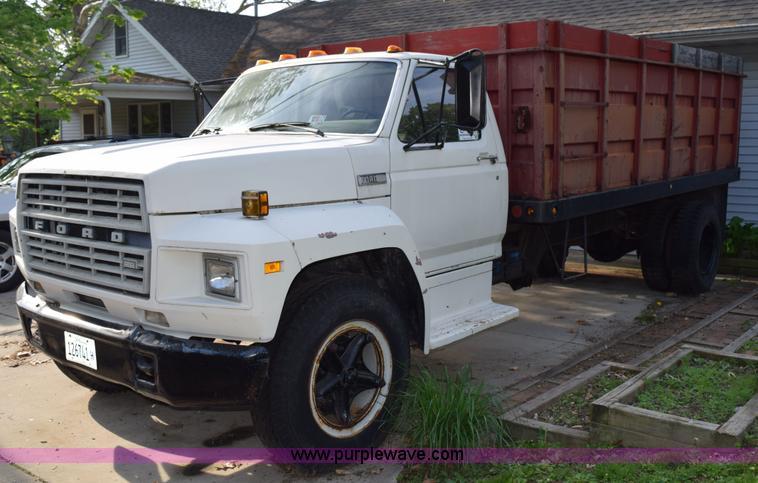 1980 ford f700 grain truck item h5097 sold june 3 vehic rh purplewave com 1998 Ford Pickup Truck 1980 ford farm truck
