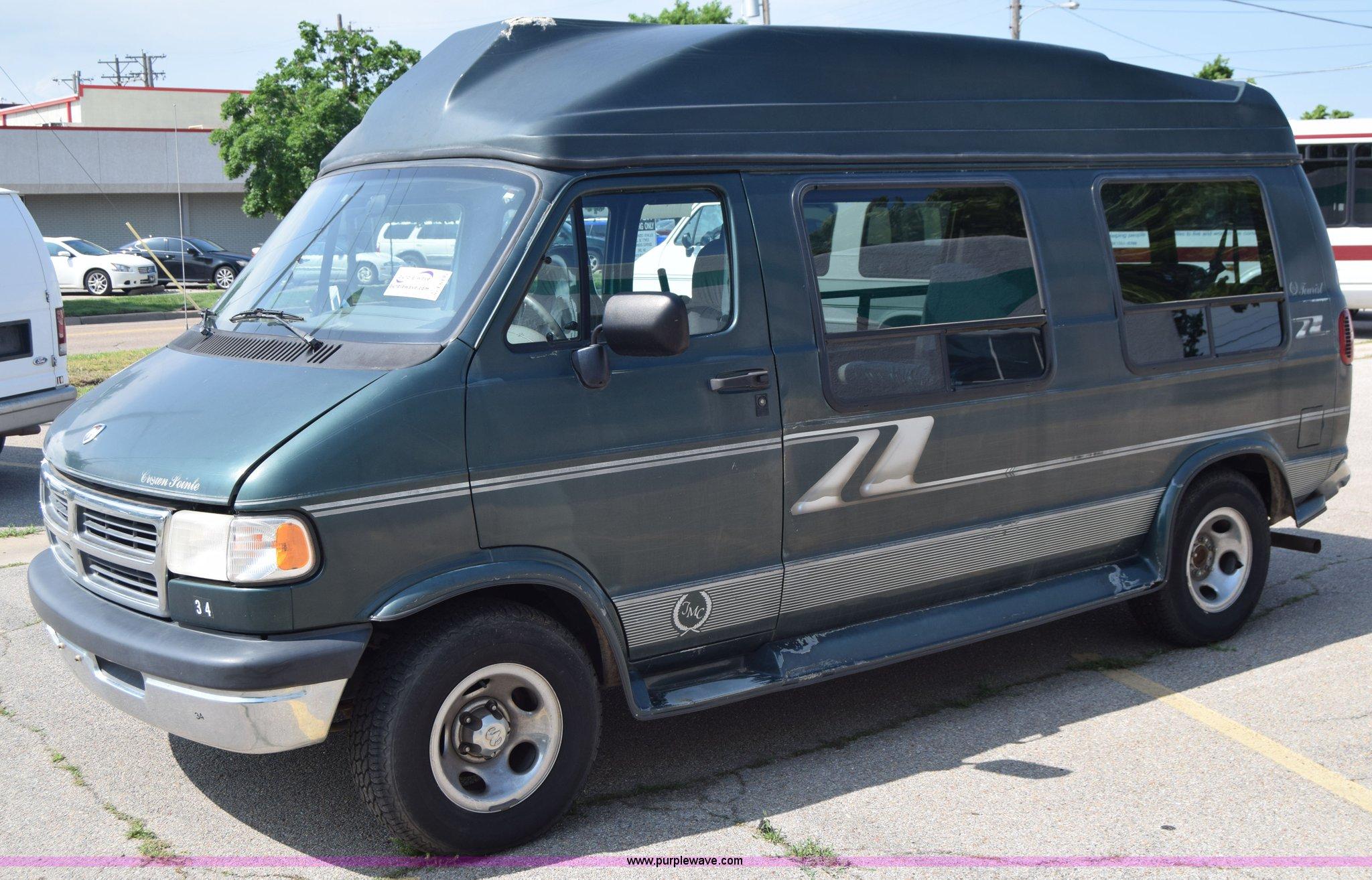 1996 Dodge Ram Van 2500 Extended Van In Wichita Ks Item E6435 Sold Purple Wave