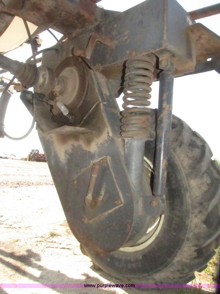 Melroe Spra Coupe 220 Sprayer Item H4643 SOLD June 10 A