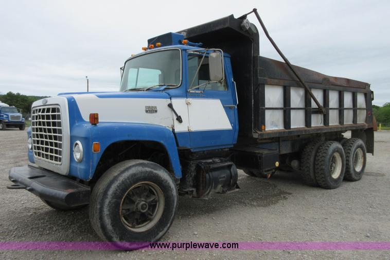 ford  dump truck  reserve auction