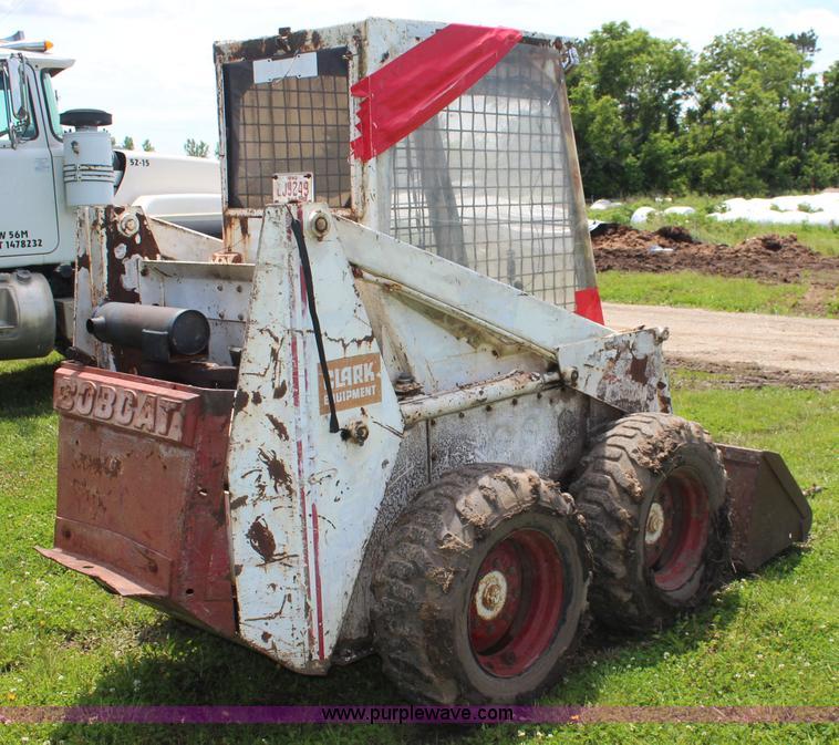 Bobcat M700 skid steer   Item K6989   SOLD! June 25 Construc