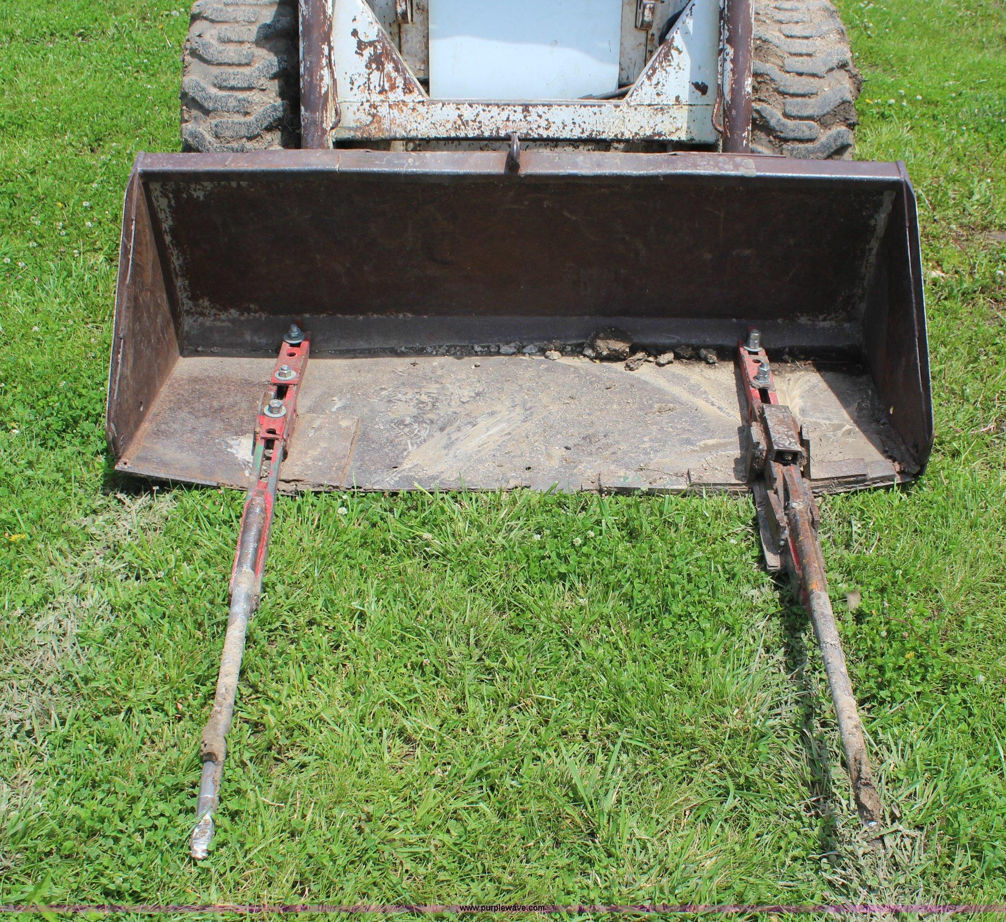 Old Bobcat M700 Skid Steer – A Murti Schofield