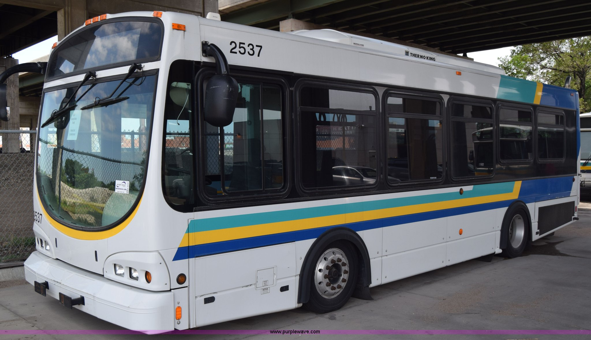 2005 Optima LFB-29 transit bus | Item K8608 | SOLD! June 30
