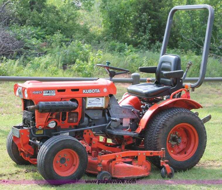 Kubota B7100 Backhoe : Kubota b mfwd utility tractor item h sold