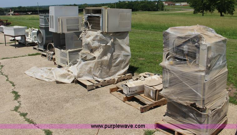 9) window air conditioner units | Item F7851 | SOLD! July 7